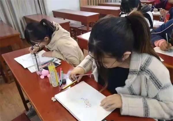 邢台市东大街小学开展思维导图主题学习活动